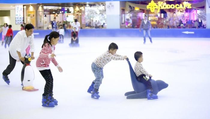 Sân trượt băng trong nhà tại căn hộ Vinhomes Central Park