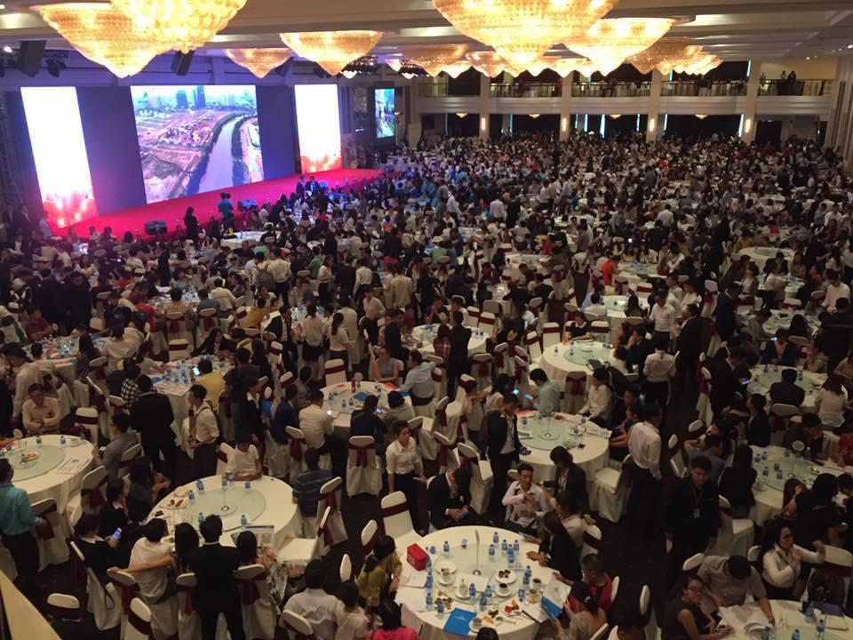 2000 khach hang tham gia event gem riverside